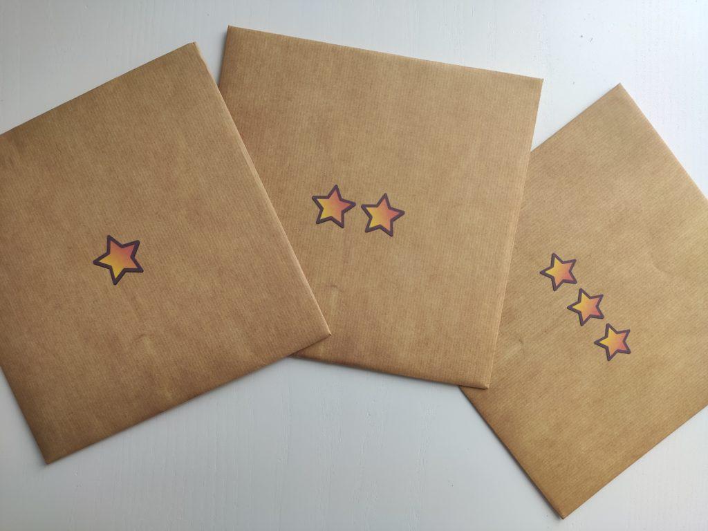 De mystérieuses enveloppes